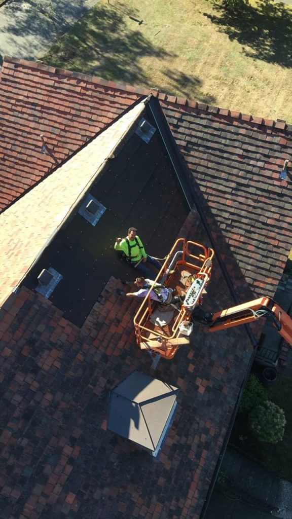Roofing services - Tile roof